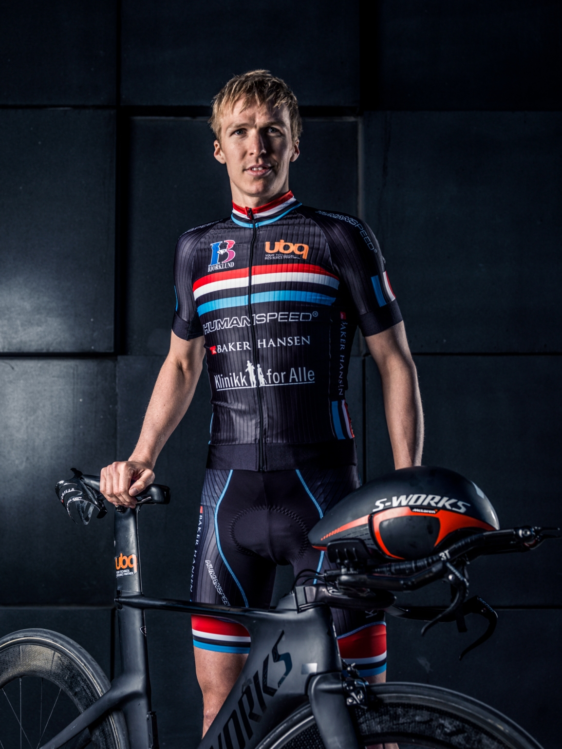 Triallan - Allan Hovda - Humanspeed - Aero - Stig Jarnes - Specialized Shiv - Black - Steath - Triathlon - S-works - Rudy Project
