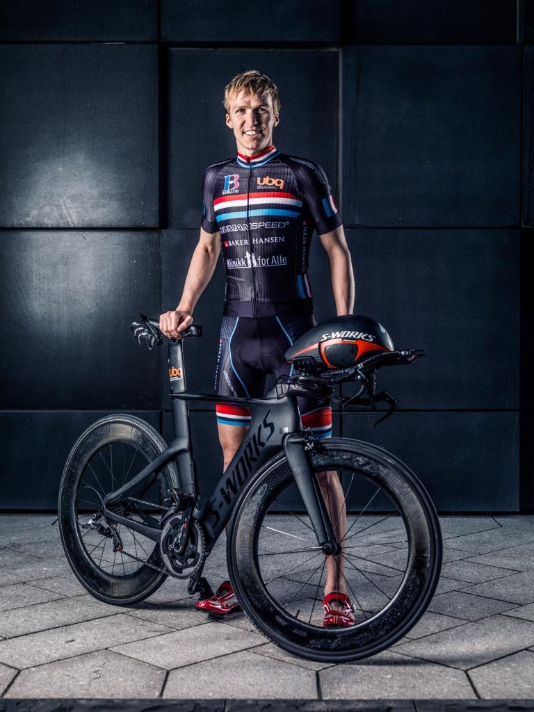 Triallan - Allan Hovda - Humanspeed - Aero - Stig Jarnes - Specialized Shiv - Black - Steath - Triathlon - S-works - Rudy Project