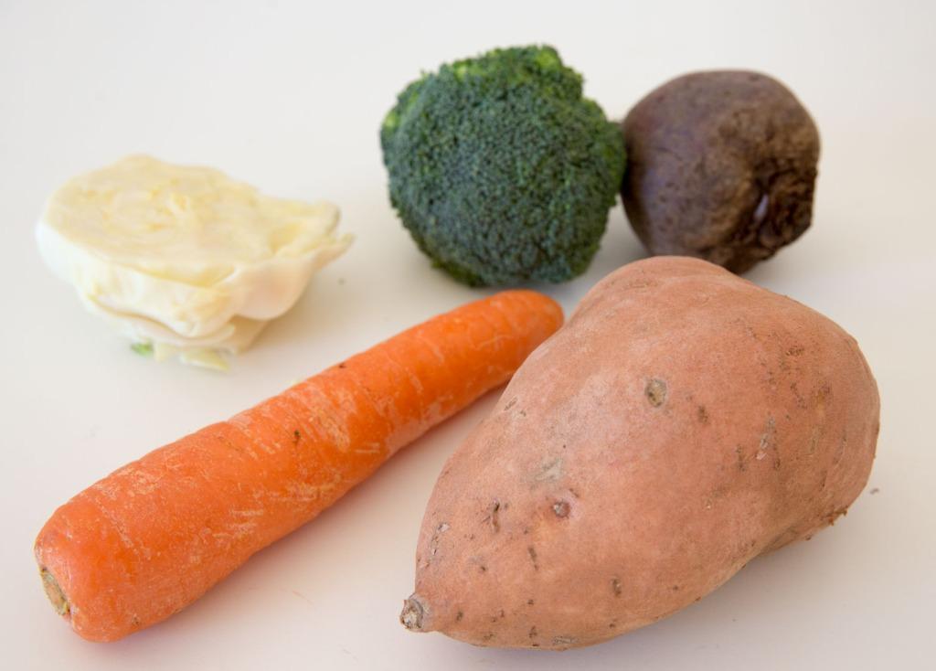 Triallan - hjemmelagd barnemat - søtpotet - gulrot - brokkoli - Cherub matposer - sunt -godt-8