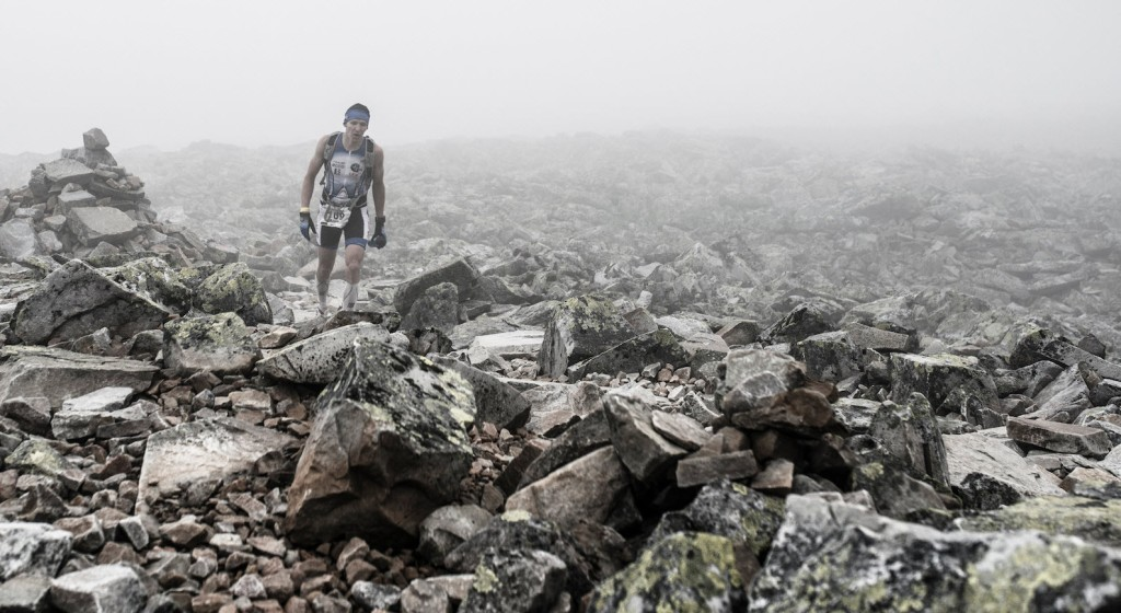 run-allan-hovda-through-fog-at-mt-gausta-photo-credit-jorgen-melau